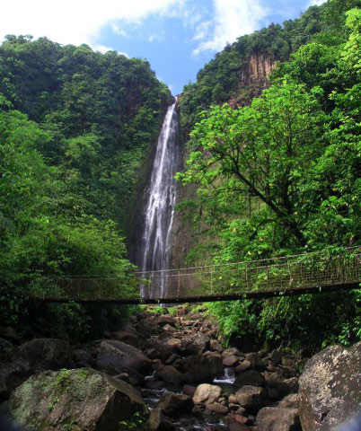location guadeloupe chute carbet