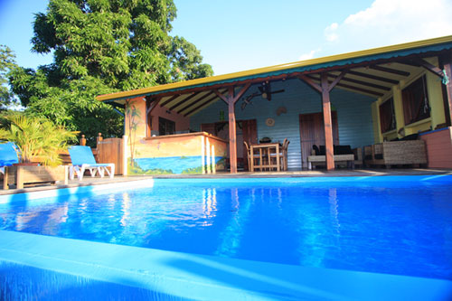 Villa mangotine location villa luxe a deshaies en guadeloupe for Villa deshaies avec piscine