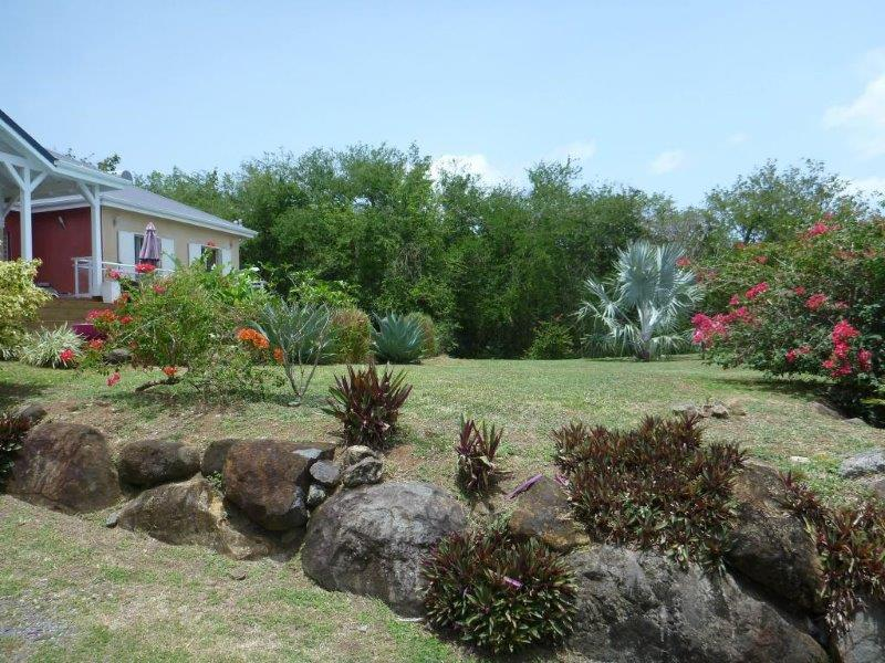 Villa hamac 264 location villa a ferry deshaies en guadeloupe - Salon de jardin guadeloupe ...
