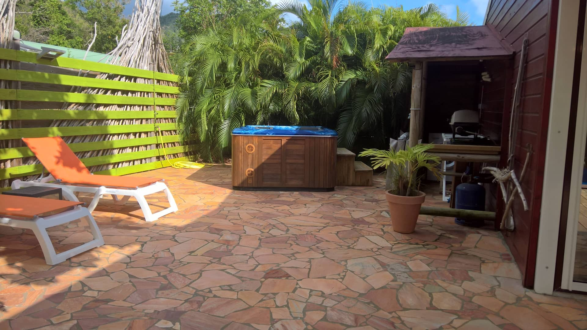 Location villa ti p cheur riflet deshaies guadeloupe for Salon naturiste