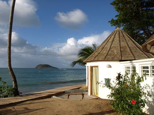 h tel fort royal location bungalows chambres suites a deshaies en guadeloupe. Black Bedroom Furniture Sets. Home Design Ideas